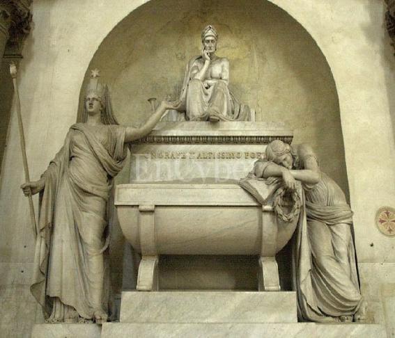 산타 크로체 성당 113(단테 기념묘).jpg