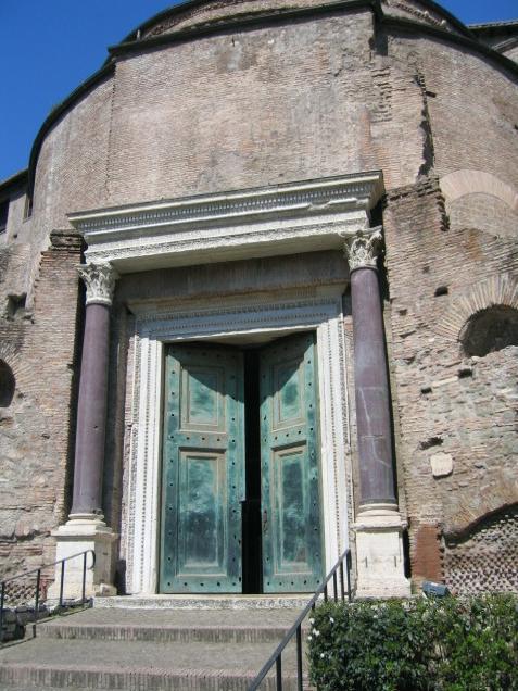 포로 로마노 020(로물루스 신전).jpg